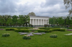 The glorious Volksgarten is not so inviting in the pouring rain.