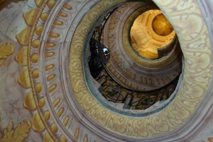 Trompe-l'œil tricks the eye into thinking there's a dome above the stairwell.